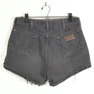 Wrangler vintage high rise cut off shorts sz. 34